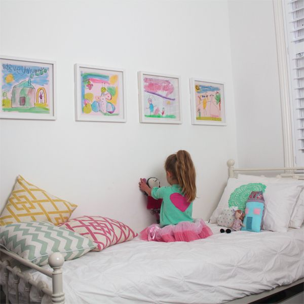 Have Frames To Display And Rotate Children S Pictures In Their Room