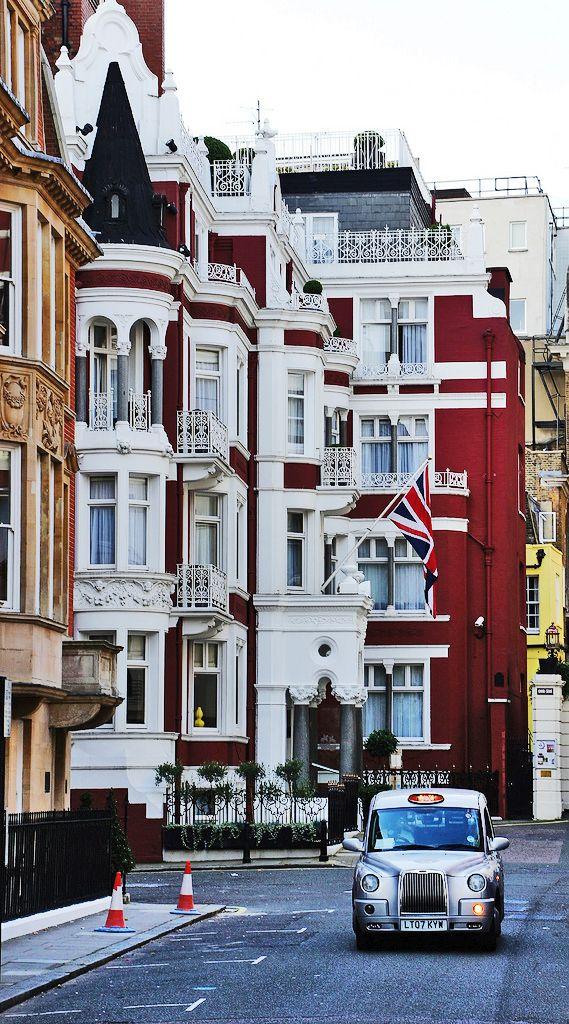 Scenes of London, England