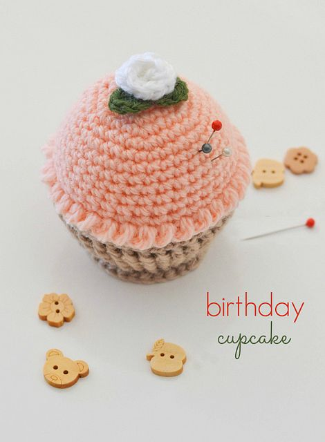 Cupcake pincushion by Down Grapevine Lane inspired by the free pattern by by Priscilla Hewitt here http://www.ravelry.com/patterns/library/cupcake-pincushion