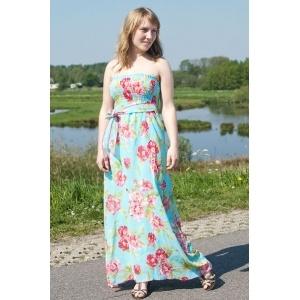 Mooie turqoise jurk met roze bloemetjes. Heerlijk zomers.