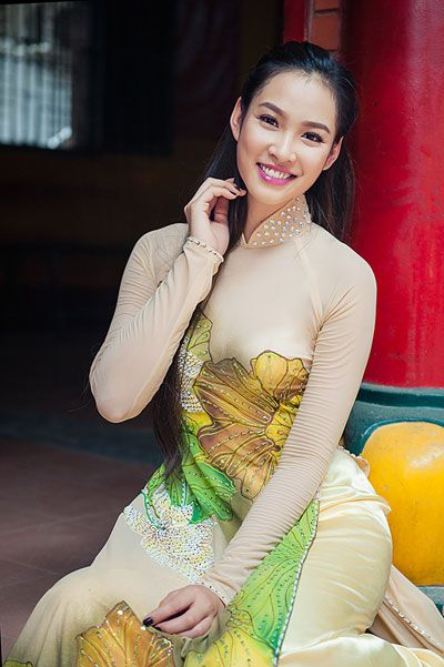 1573 best womens fashion images on pinterest asian woman ao dai beautiful girl from vietnam ccuart Image collections