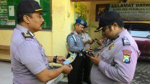 Pengecekan Identitas Pribadi dan Keanggotan dalam Polri di Polsek Nguling