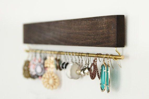 bruin houten earring display / organisator