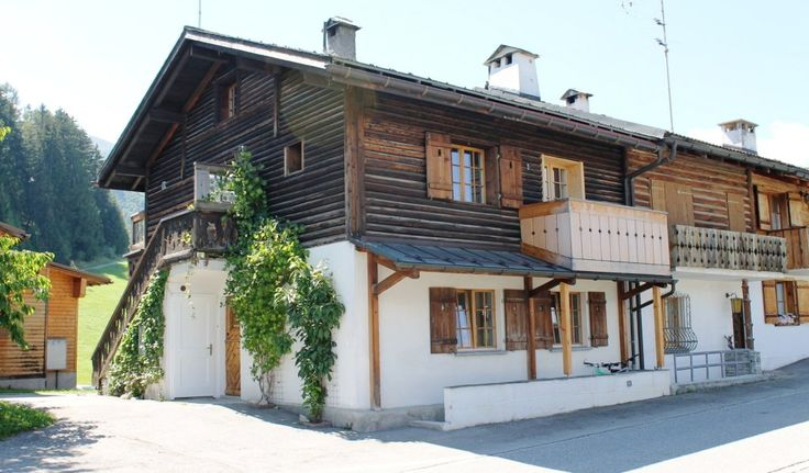 "Modern and elegant holiday flat ""Casa Fulin"" in Obersaxen, Switzerland. Lease here !"