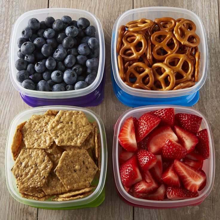 The set of stackable lunch containers are perfect for lunches and portion control. Pack healthy sides and snacks for throughout the day. Containers can snap and stack on top of each other for easier p                                                                                                                                                                                 More