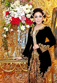 Traditional Java Wedding Dress