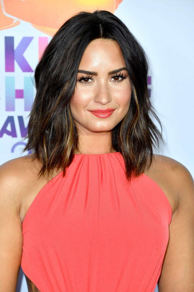 Demi Lovato: 2017 Nickelodeon Kids Choice Awards -02 - GotCeleb