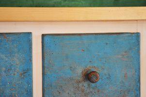 Detail - použita stará zásuvka