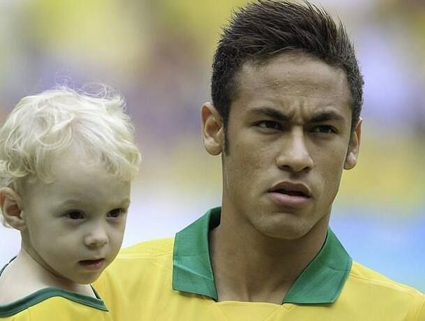 Neymar junior and his son Davi Lucca | Favorite Places ...