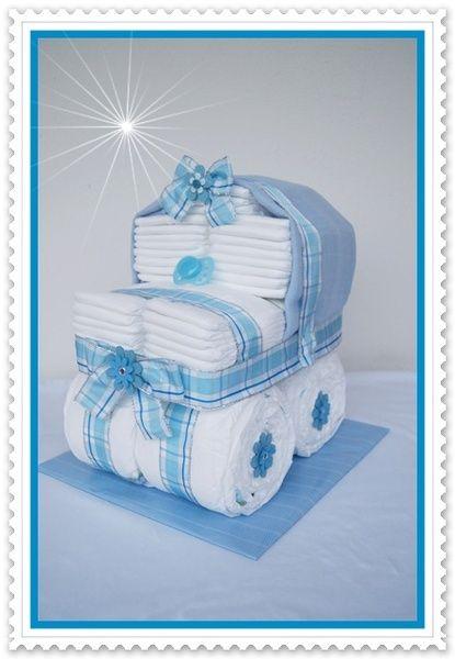 Windeltorte Stubenwagen XXL Windeltorte blau von Geschenke-Eckle auf DaWanda.com