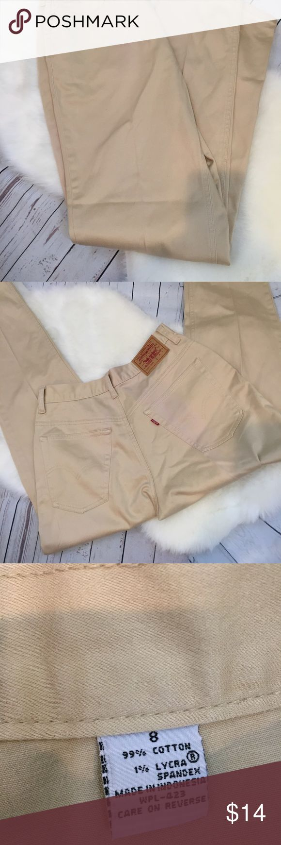 """Levi Strauss & Co Tan 5 Pocket Lightweight Pant Levi Strauss &  Co Tan, 5 Pocket, Slim Leg, Lightweight Pants, Woman's Size 8 Excellent Condition  Made in Indonesia  Material 99% cotton, 1% Lycra  Measurements Length 40 1/2"""" Waist 29 1/2""""  Check out my other listings! **Offers Welcome** ***Bundle = 15% off Please let me know if you have any questions! Sorry, no trades The pants come from a smoke free home Levi Strauss & Co Pants Skinny"""