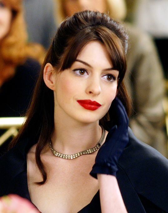 MAC Russian Red on Anne Hathaway