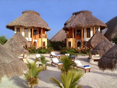 Villas Paraiso del Mar Holbox - Just in front of the beach with white sand and crystal clear waters, the hotel Villas Paraiso del Mar in Holbox is the best place to enjoy the sun on your skin, take a swim, walk along the beach.