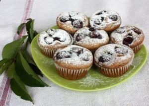 Ceresnové muffiny http://nanicmama.sme.sk/kolace/ceresnove-muffiny