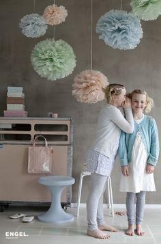 Pompom Pastel (per drie stuks)? De leukste Sierhangers voor de kinderkamer bij Saartje Prum.