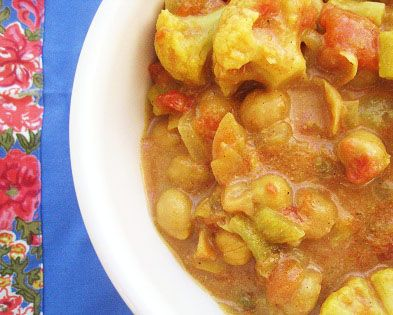 cauliflower chickpea stew - excellent and easy