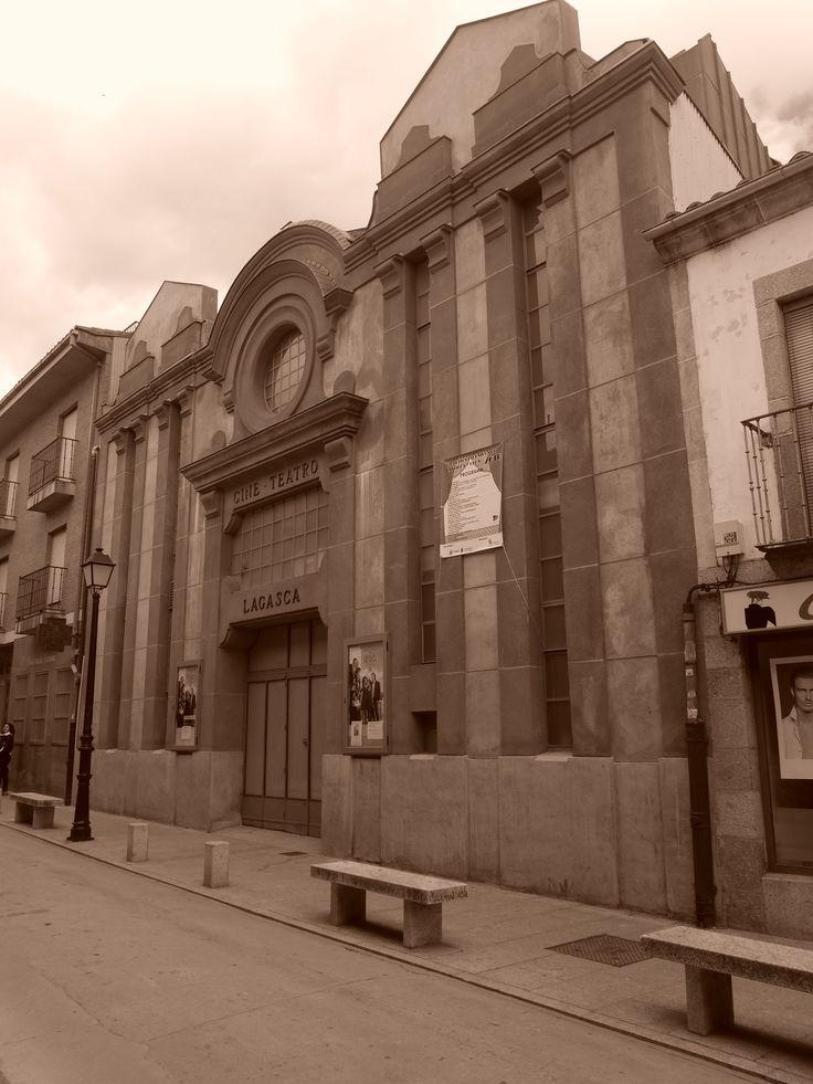Edificio de estilo Art Deco del antiguo cine
