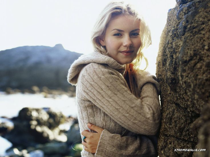Elisha Cuthbert Wallpapers Images Photos Pictures Backgrounds