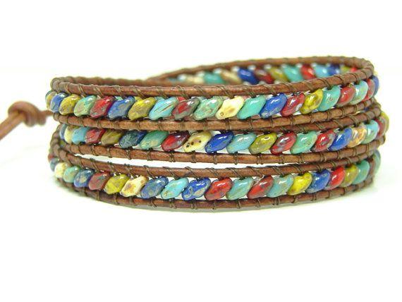 Kralen leren Wrap armband met Multicolor Superduo Beaded Wrap armband, Triple Wrap armband, zuidwestelijke stijl Wrap, gerolde armband