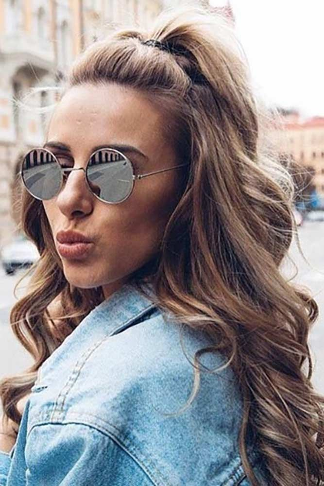 Such a hairdo is something you can pull off no matter what is the length of your hair. Plus, it is a nice way to show off that beautiful face of yours. Besides, let us not forget about the dozens of ways to style it so that you will look like no one else.#haircuts#hairstyles#haircolor