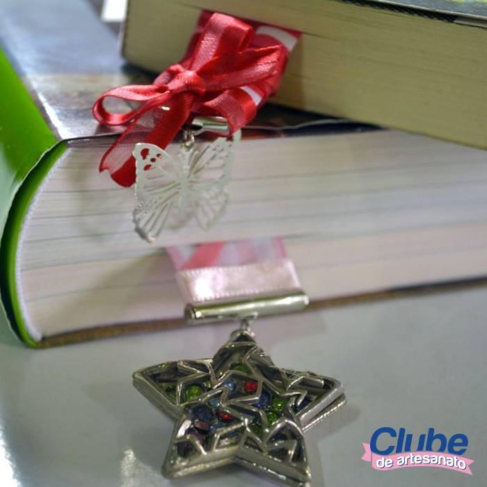 Marcadores de livros com fitas (clique na foto e confira)
