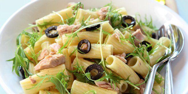 Rigatoni met tonijn en olijven