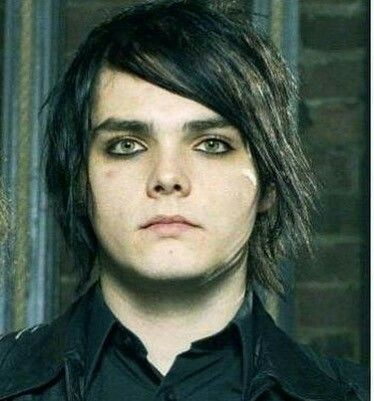 I aspire to one day be as good at applying eyeliner as Gerard way.