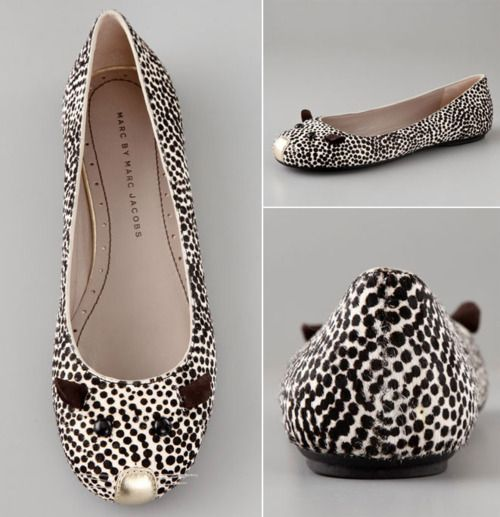 I want to take a pair of my ballet flats and do something cute like this with them.