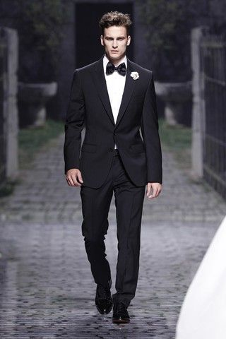 Browse suits for grooms, tuxedos, morning suits and other wedding styles for men (BridesMagazine.co.uk)#!photo784722