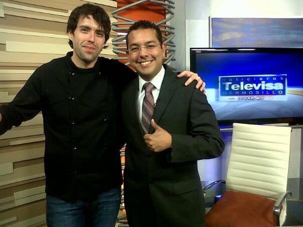 Con Edgar Molina (en el corte)!!! Buena vibra!!!  https://www.facebook.com/photo.php?fbid=455818337830130=a.257007834377849.59922.119318758146758=3