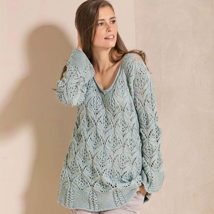 Пуловер с расклешенными планками