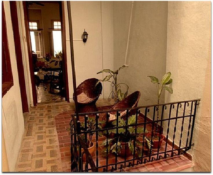 9 best casa colonial dalia y teresa la habana vieja for Casas con patio interior