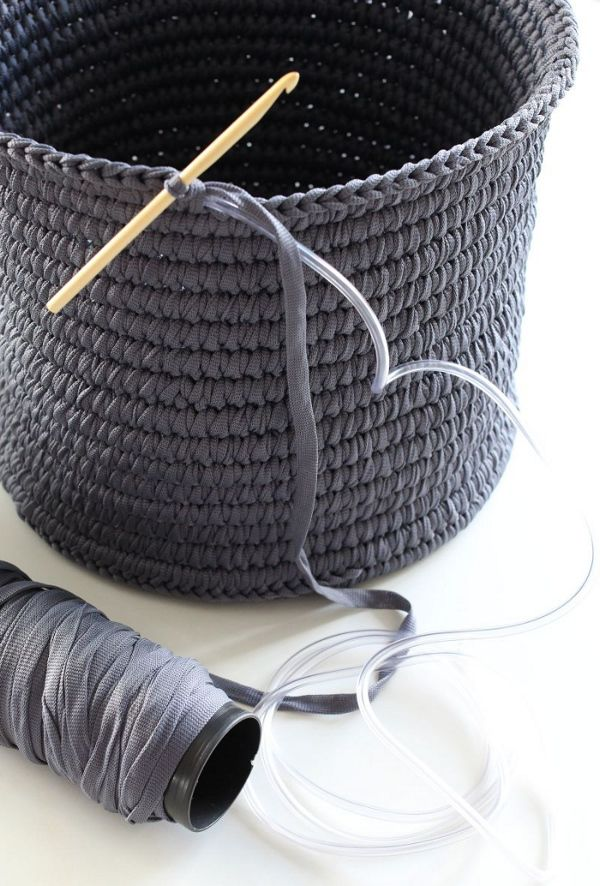 "Crochet Basket - ""This is amazing work from the Finnish blog Nurin Kurin. More tips and tricks via the link. Google translate does a great job, but the pics are very useful as well."" 