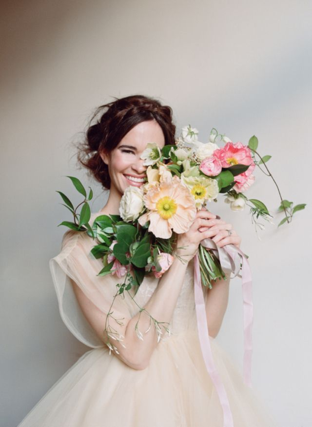 Eco-beautiful bridal bouquet | Elizabeth Messia Photography | Floral design by Amy Osaba | see more on http://burnettsboards.com/2014/02/eco-beautiful-flowers/