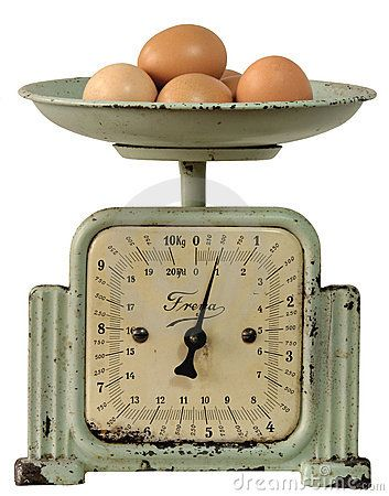 Vintage kitchen scales with eggs.. love love love!
