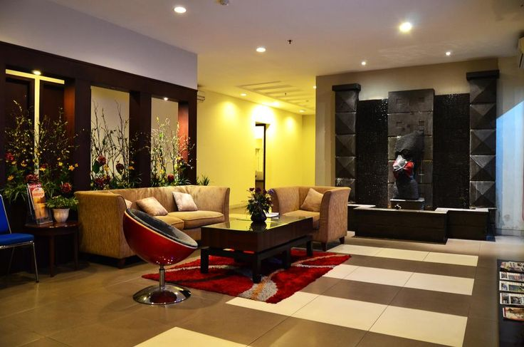 CAD 25 M-Regency Hotel is a Victorian-style hotel located a 5-minute walk from Losari Beach.