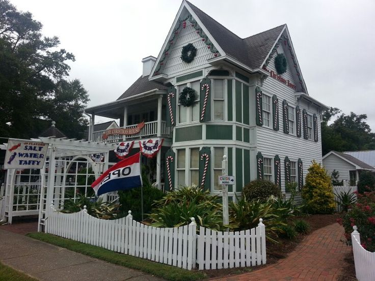 The Christmas Shop - Southport, NC  is the best holiday shop I  have ever been to!