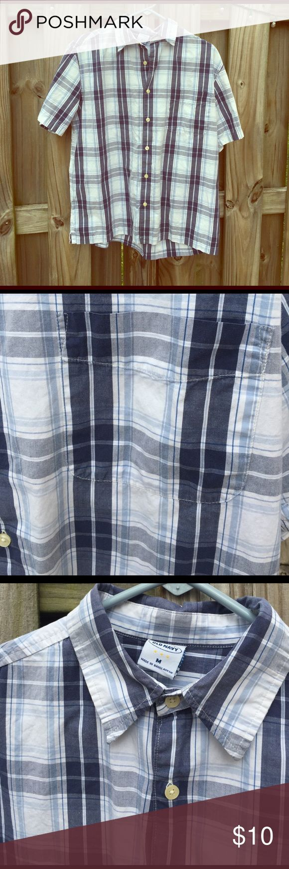 Old Navy white and blue checkered shirt Old Navy white and blue checkered shirt size M Old Navy Shirts Casual Button Down Shirts