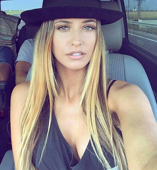 Antonia blonde