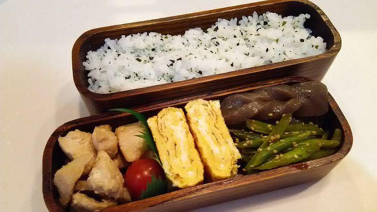 posted by @hiroko_13d 今日のお弁当🍱 わかめご飯、鶏のマヨポン焼き、玉子焼き、ピリ辛蒟蒻、いんげんの塩きんぴら #お弁当 #obento #obentoart