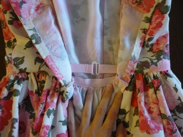 Sewing a Waist Stay in a Full-Skirted Dress