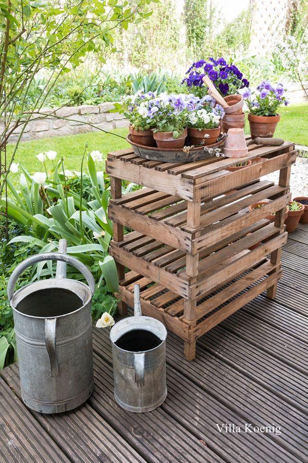Ein Schoner Blickfang Im Garten Cottage Garten Aufbewahrung Garten Garten