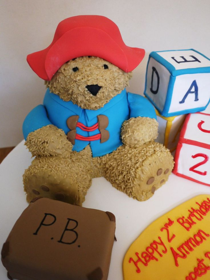 Wow paddington bear cake - so life like! Twitter / craftcakes: This little bear took me a ...
