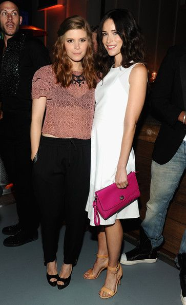 Abigail Spencer Photos - Actresses Kate Mara (L) and Abigail Spencer attend Coach's 3rd Annual Evening of Cocktails and Shopping to Benefit the Children's Defense Fund hosted by Katie McGrath, J.J. Abrams and Bryan Burk at Bad Robot on April 10, 2013 in Santa Monica, California. - Evening of Cocktails and Shopping Charity Event