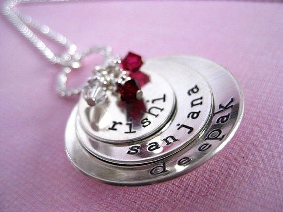 Customized jewelry - perfect for any mama.