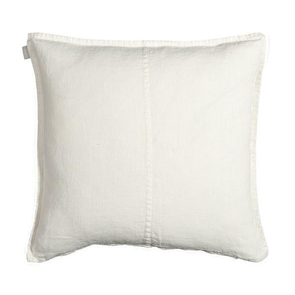 West Cushion Størrelse: 50 x 50 cm Materiale: 100% forvasket hør Designer:  Linum Farve:       Hvid www.houseofbk.com