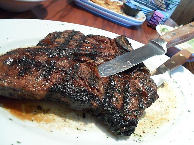 LongHorn Steakhouse prime rib....mmmmm.....