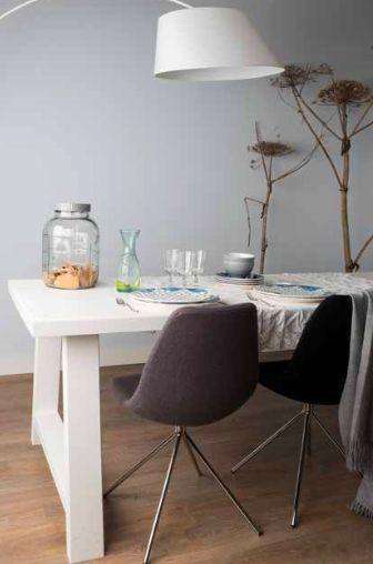 Zuiver.com a-framed witte eettafel