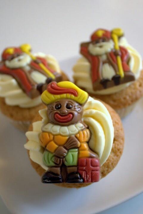 Simpele versiering Sinterklaas cupcakes