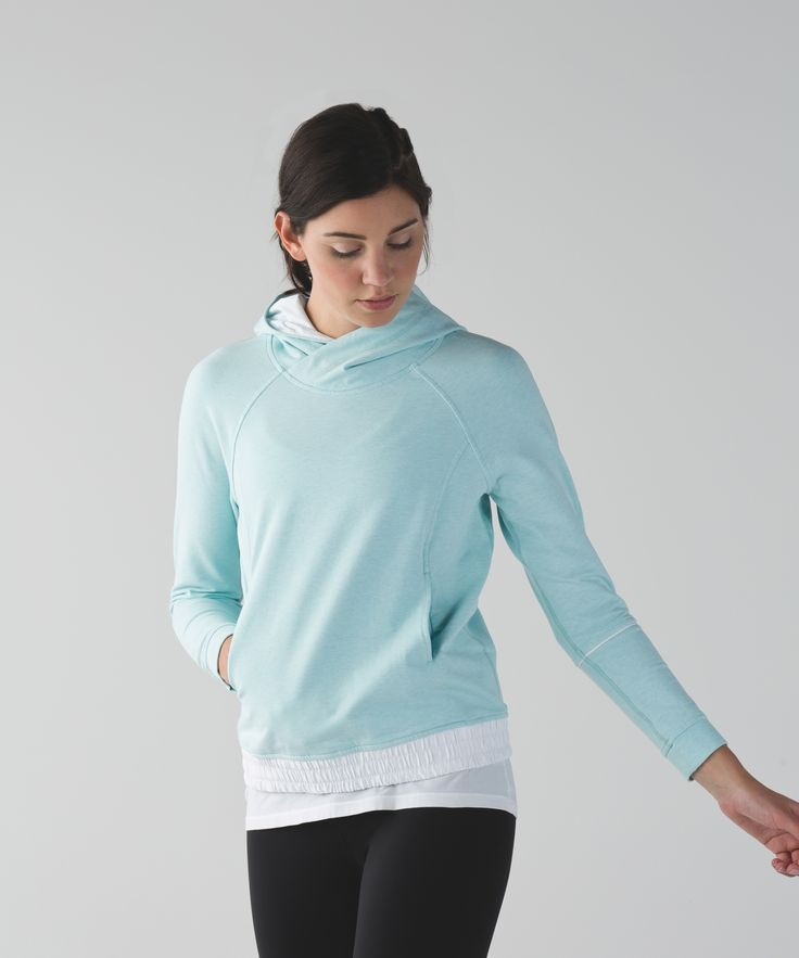 When the endorphin rush of a killer workout starts to fade into blissful exhaustion, nothing beats cozying up in soft, stretchy layers. We designed this loose-fitting sweatshirt with a roomy hood and big pockets to help keep us comfortable as we unwind post sweat.